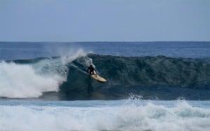 Activité originale d'enterrement de vie de célibataire : une leçon de surf